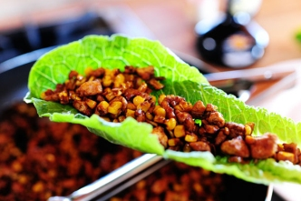 vegetarain lettuce wraps via the pioneer woman