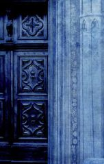 midnight blue doorway via verandah house