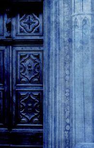 midnight blue doorway via verandah house
