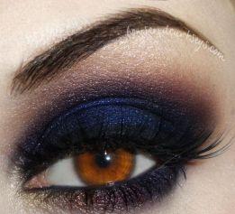 midnight blue eye makeup via ladypandacat tumblr