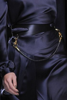 midnight blue fashion via stylebistro