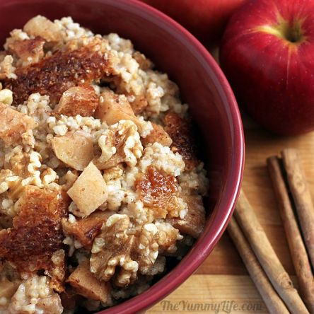 overnight apple cinnamon oatmeal via the yummy life