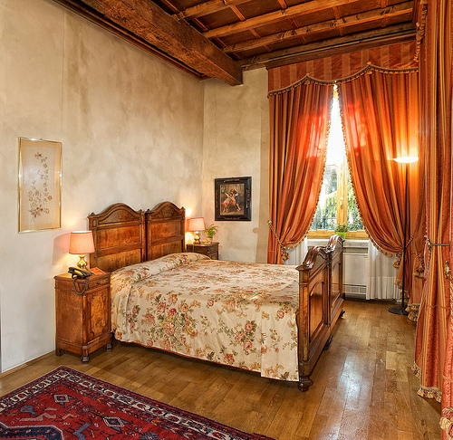tuscan style bedroom via unknown