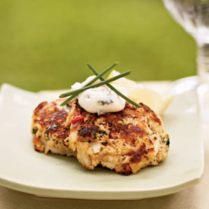 mini crab cakes with herbed aioli via cooking light