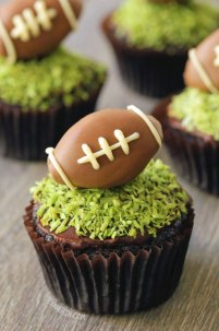 chocolate football cupcakes via texanerin