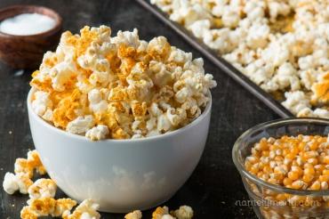 vegan cheesy popcorn via namely marly