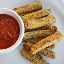 baked zucchini fries via the girl who ate everything