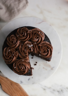 one bowl chocolate cake for two via a cozy kitchen