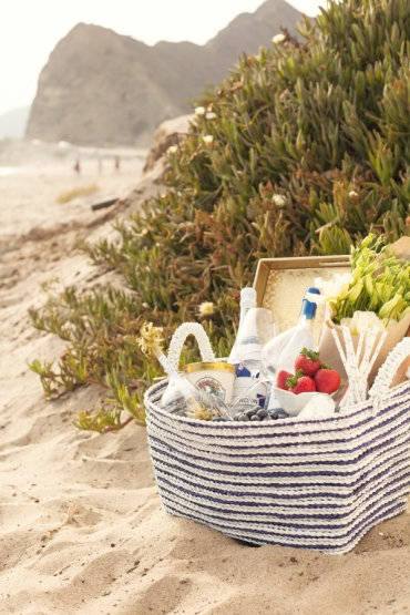 beachside eats image via style me pretty (photo credit)