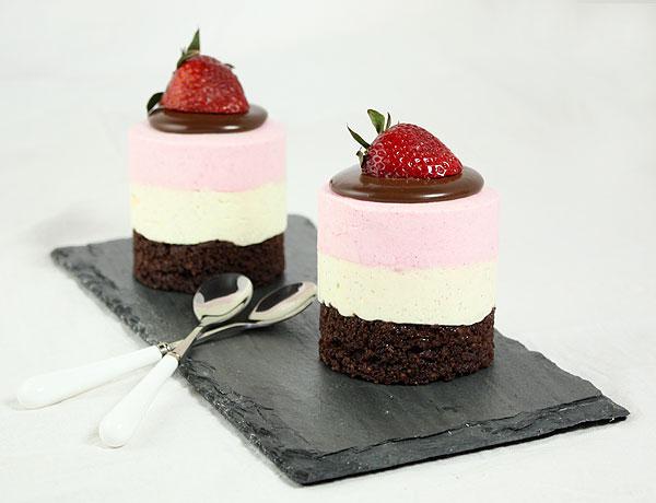 neapolitan mousse cakes via la mia vita dolce