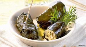 greek dolmades via fine dining lovers