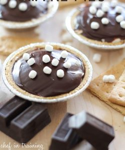 mini no bake smore pies via chef in training