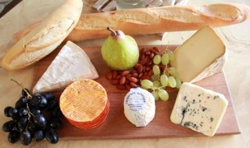 french cheese platter via pretty mayhem