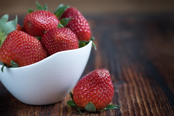 strawberries in a bowl FREE IMAGE via Pixabay