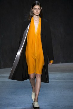 narciso-rodriguez-spring2017rtw-look8-via-vogue-runway