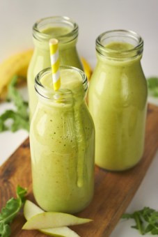 pear avocado rocket green smoothie via delightful vegans