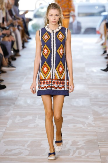 tory-burch-spring2017-rtw-look29-via-vogue-runway