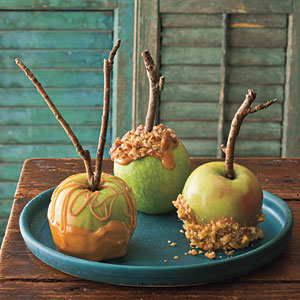 southern-style-caramel-apples-via-southern-living