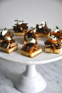 wild-mushrooms-on-brioche-crostini-via-kitchen-culinaire