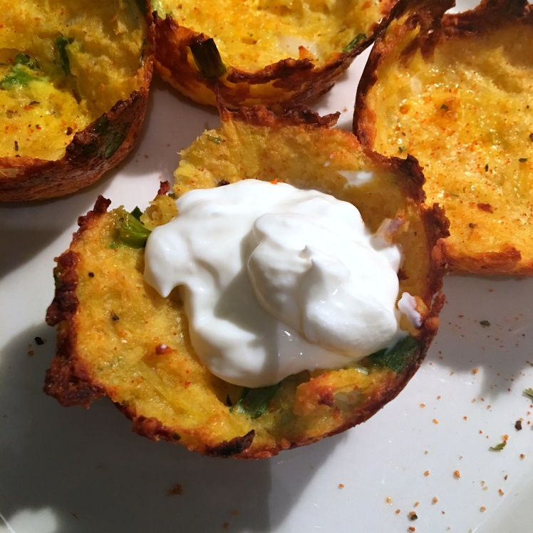 potato-cups-sour-cream-seasoned-with-charlies-spicy-seasoning-blend