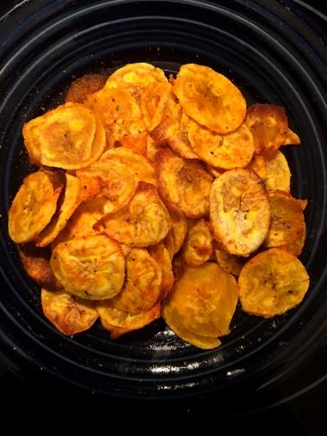 baked-plaintain-chips-full-plate-via-the-sugarapple