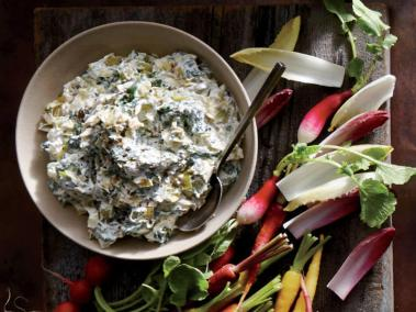 caramelized-leek-and-spinach-dip-via-cooking-light