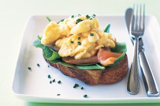 scrambled-eggs-with-smoked-salmon-chives-via-taste-com-au