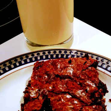 milk-and-ina-garten-outrageous-brownies-via-the-sugarapple