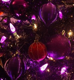 CHRISTMAS TREE ORNAMENTS_FREE IMAGES VIA PIXABAY